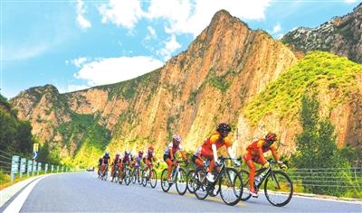 """风景,一个词语来形容北京""""最美乡村路""""——滦赤路"""